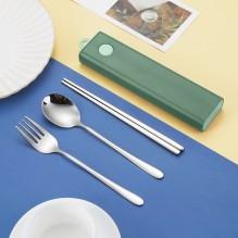 Дорожный набор столовых приборов для еды (вилка, ложка, палочки). Зеленый