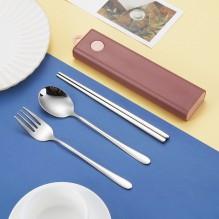 Дорожный набор столовых приборов для еды (вилка, ложка, палочки). Вишневый