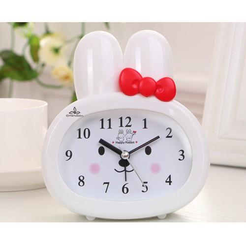 Покупка  Детские настольные часы-будильник Зайчик. Белый в  Интернет-магазин Zelenaya Vorona™