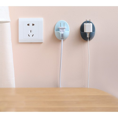 Держатель для проводов, вилок электроприборов на стену 2 шт./наб.  в  Интернет-магазин Zelenaya Vorona™ 1