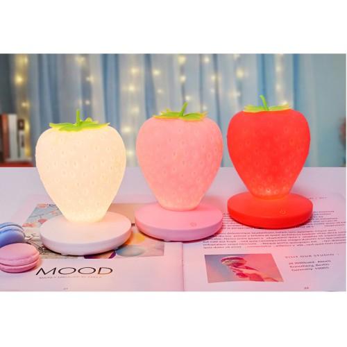 Силиконовый LED светильник-ночник Клубника. Красный  в  Интернет-магазин Zelenaya Vorona™ 3