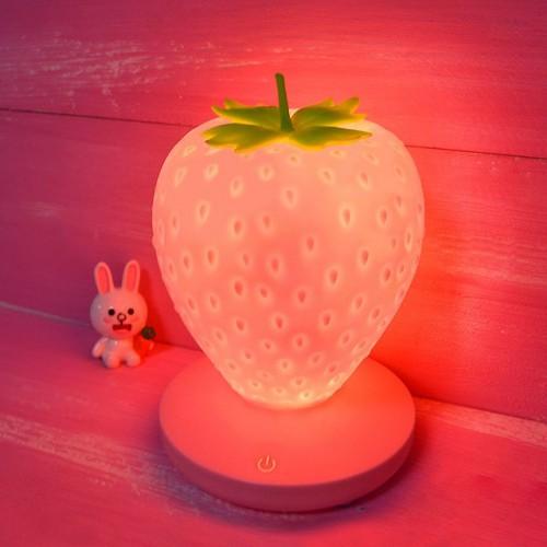 Силиконовый LED светильник-ночник Клубника. Розовый  в  Интернет-магазин Zelenaya Vorona™ 2