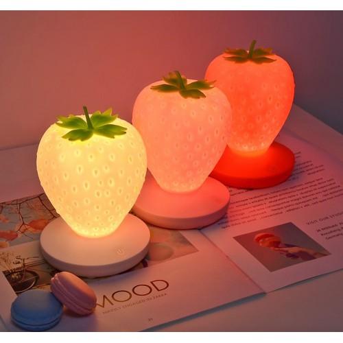 Силиконовый LED светильник-ночник Клубника. Красный  в  Интернет-магазин Zelenaya Vorona™ 7
