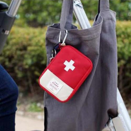 Покупка  Мини аптечка органайзер для путешествий. Красная в  Интернет-магазин Zelenaya Vorona™