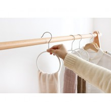 Вешалка-кольцо для шарфов, палантинов и платков. Белый