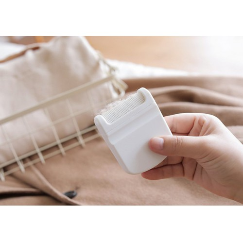 Мини-триммер для удаления ворса и катышек с одежды  в  Интернет-магазин Zelenaya Vorona™ 1